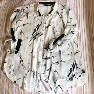 Nice dressy shirt in Good condition.